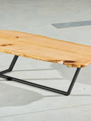 Masă din lemn de cireș